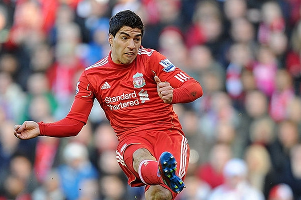 Σαν σήμερα: 18/3/2012 Ο Suarez οδηγός στο δρόμο για το Wembley