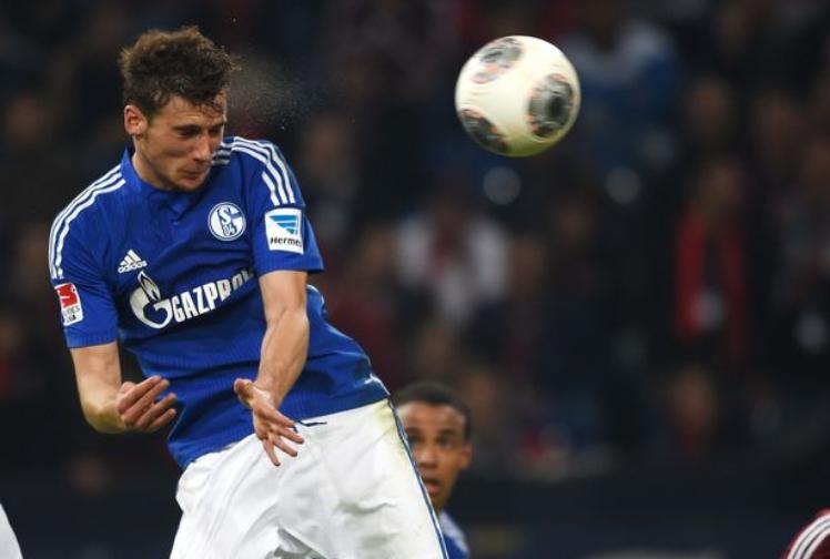 Ο Leon Goretzka με την φανέλα της Schalke.
