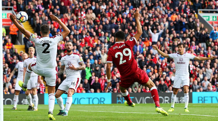 O Solanke στην ισοπαλία με την Burnley στo Anfield