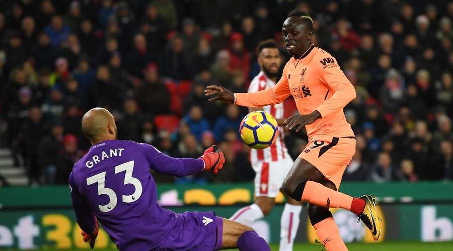Ο Sadio Mane στην φάση του γκολ του κόντρα στην Stoke City.