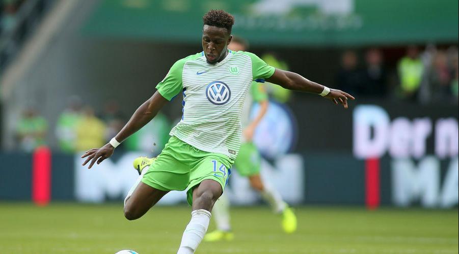 O Divock Origi με τα χρώματα της Wolfsburg την περσινή σεζόν.