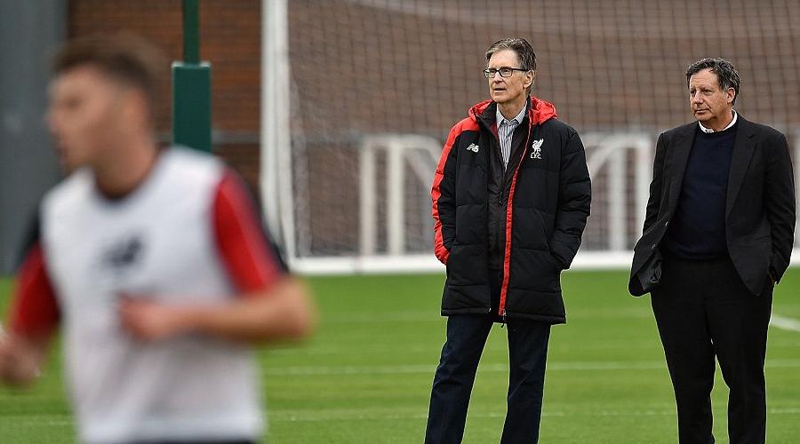 Οι ιδιοκτήτες της Liverpool σε προπόνηση της ομάδας.