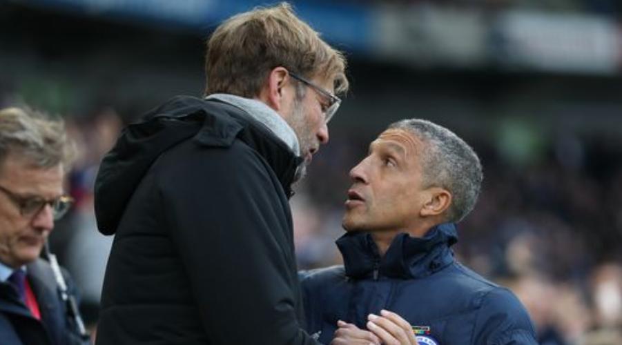 O Jurgen Klopp με τον προπονητή της Brighton, Chris Hughton