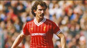 Ο Graeme Souness τον καιρό πού αγωνιζόταν στη Liverpool.