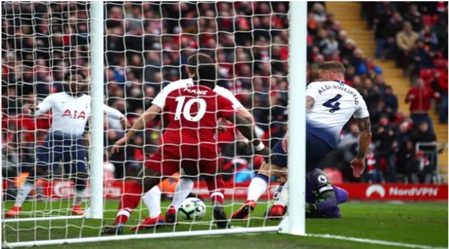 Η στιγμή πού ο Toby Alderweireld σκοράρει εις βάρος της Tottenham!