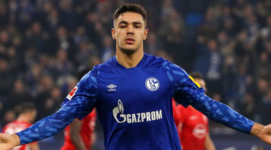 Ο νεαρός κεντρικός αμυντικός της Schalke, Ozan Kabak.