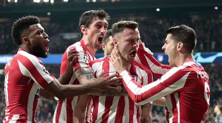 Οι παίκτες της Atletico πανηγυρίζουν το γκολ του Saul, σε μία φάση πού ήταν από τις αφορμές για την κεντρική δήλωση του Jamie Carragher μετά το παιχνίδι.