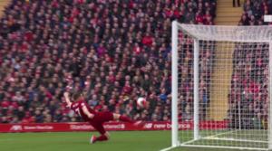 O James Milner έκανε την...απόκρουση της σεζόν στο χθεσινό παιχνίδι!
