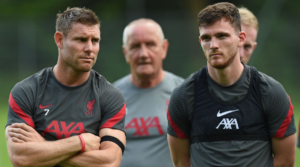 James Milner και Andy Robertson στη χθεσινή πρώτη προπόνηση της Liverpool ενόψει της σεζόν 2020-21.