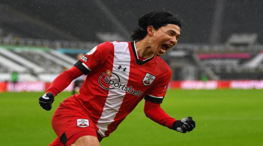 O Takumi Minamino με τη φανέλα της Southampton.