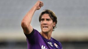 O Dusan Vlahovic με τη φανέλα της Fiorentina.